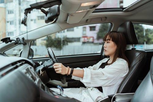 Zakelijke autoverzekering: onmisbaar voor ondernemers die niet van stilstaan houden