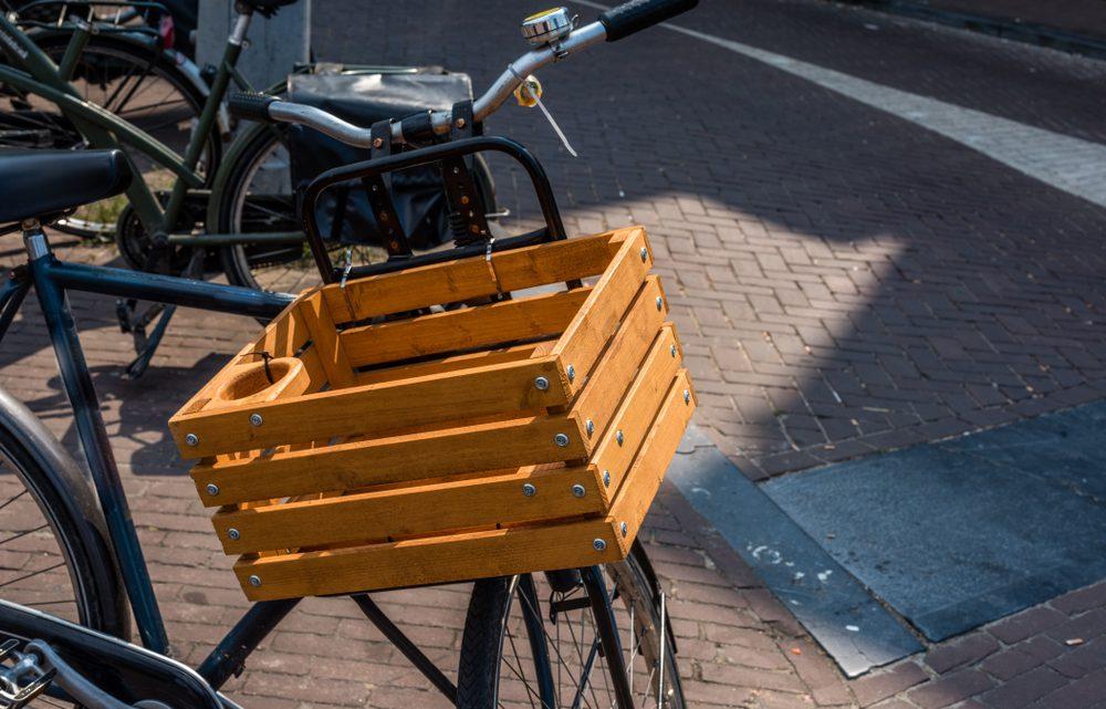 Trendy krat voor de fiets